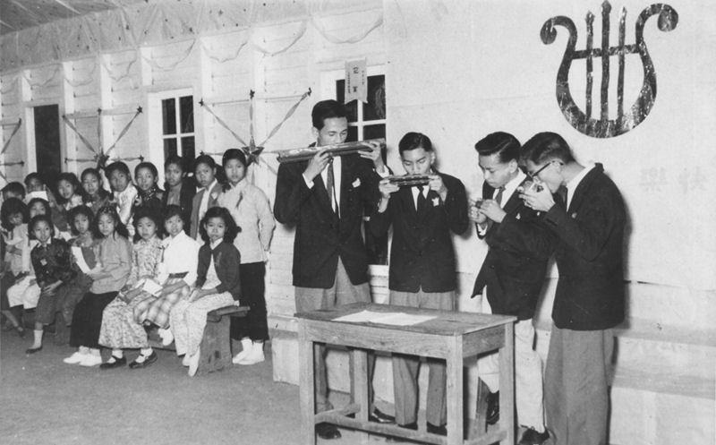劉森坪、袁慶祥、彭澤蕃和梁乃森於一九五九年之演奏